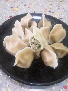 D.7 Pork Garlic Chives Dumpling